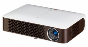 lg2 21 08 2014 300x160 - LG PW700: proiettore LED multimediale da 700 lumen