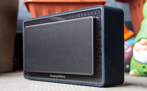"bw2 21 10 14 - B&W T7: speaker Bluetooth portatile ""hi-end"""