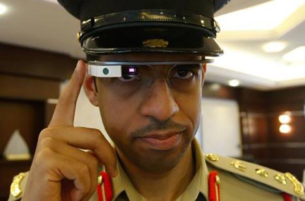 dubai2 02 10 14 - Polizia di Dubai con Supercar e Google Glass