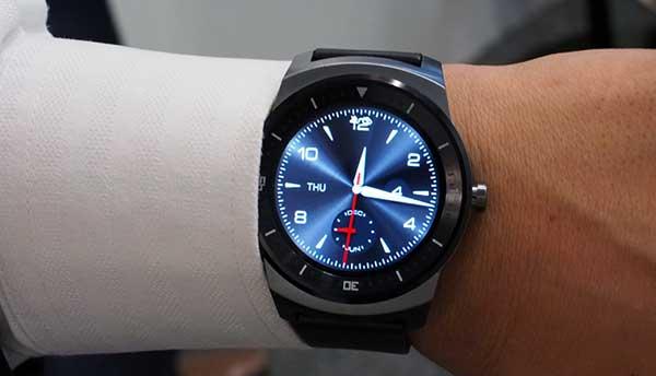 lg gwatchr 24 10 14 - Smartwatch LG G Watch R a novembre a 269€