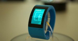 puls evi 16 10 14 300x160 - i.am+ PULS: SmartWatch / braccialetto 3G