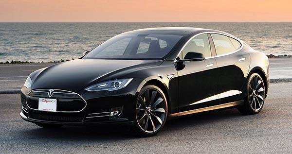 tesla1 03 10 14 - Tesla: macchina elettrica senza pilota nel 2015