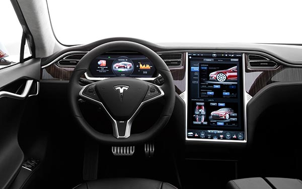 tesla2 03 10 14 - Tesla: macchina elettrica senza pilota nel 2015