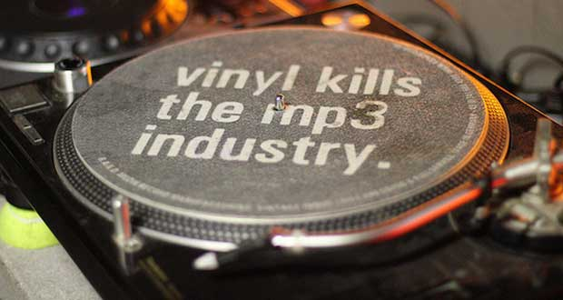 vinile 27 11 14 - Vinile in salute: torna nelle classifiche UK