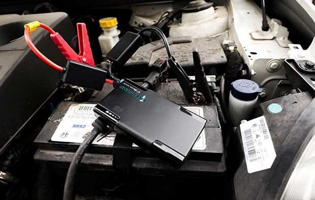 enerjump2 09 12 14 - Enerjump: ricarica lo smartphone e avvia l'auto