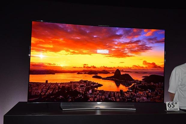 "lg 27 01 2015 - LG EG960V: TV OLED Ultra HD da 55"" e 65"""