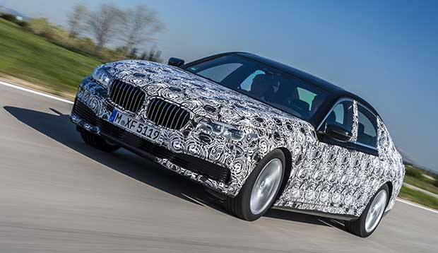 bmw7 4 20 04 15 - BMW serie 7 con display-key e parcheggio a distanza