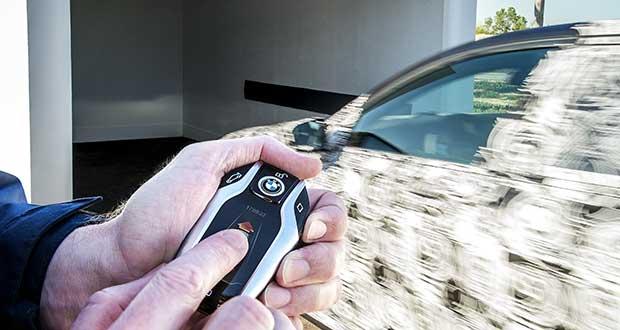 bmw7 evi 20 04 15 - BMW serie 7 con display-key e parcheggio a distanza