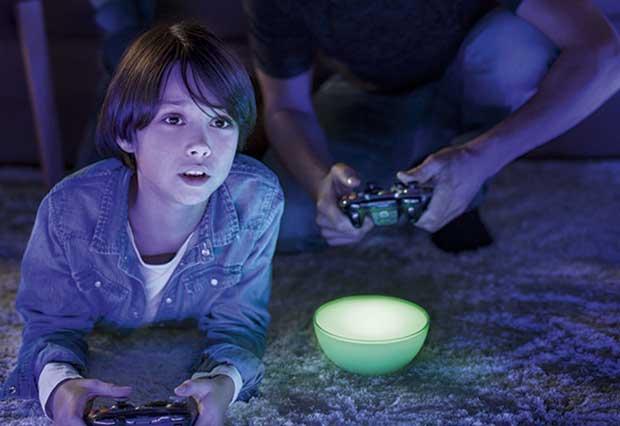 "huego3 02 04 15 - Philips Hue Go: lampada ""smart"" portatile"