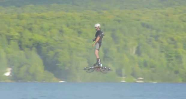 hoverboard 25 05 15 - Skateboard che vola sull'acqua: è record!
