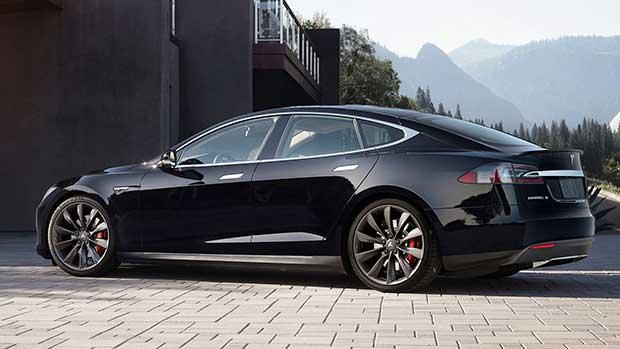 teslas2 24 09 15 - Tesla S P90D: auto elettrica da 772 CV e 0-100 km/h in 3s
