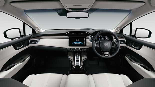 honda clarity 3 30 10 15 - Honda Clarity: auto a idrogeno in Giappone nel 2016