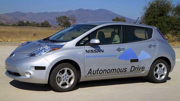nissan2 14 10 15 - Nissan: auto senza pilota in vendita entro il 2020