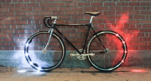 "revolights4 23 10 15 300x161 - Revolights: luci LED Bluetooth ""smart"" per la bici"