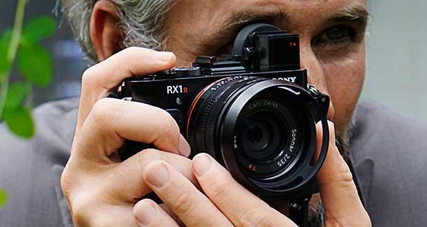 sonyrx1RII 1 16 10 15 - Sony RX1R II: fotocamera Full Frame da 42 mega-pixel