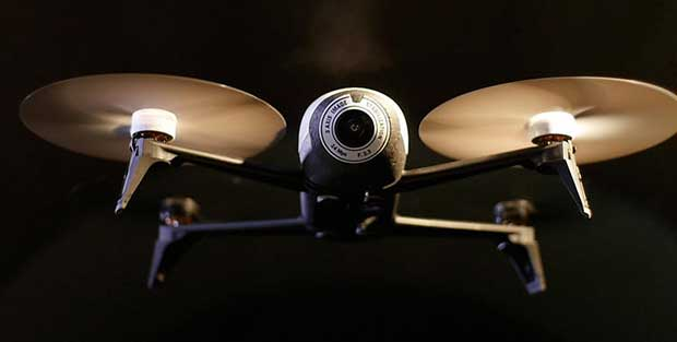 parrot bebop2 2 18 11 15 - Parrot Bebop 2: drone con 25 minuti di autonomia