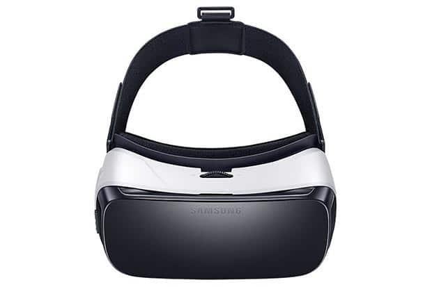 samsung gear vt 03 12 2015 - Samsung Gear VR: disponibile da domani a 129€
