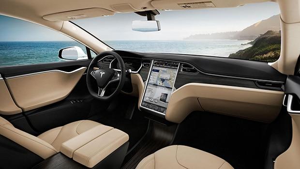 tesla spotify1 22 12 15 - Tesla Model S con Spotify Premium incluso