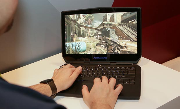 "alienware 13 oled 07 01 2016 - Alienware 13: notebook per gaming da 13"" con display OLED"
