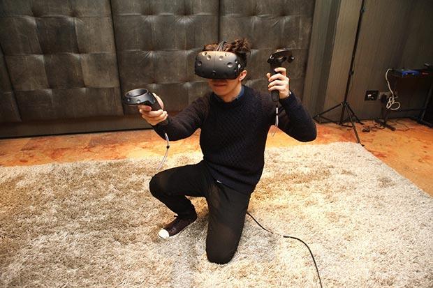 htc vive 2 22 02 2016 - HTC Vive: visore per realtà virtuale da aprile a 799$