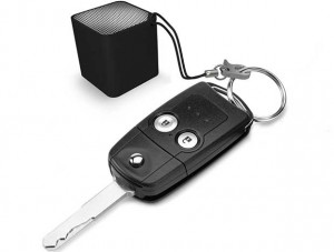neoqube 3 08 03 16 300x227 - Neoqube: mini speaker/vivavoce Bluetooth e telecomando selfie