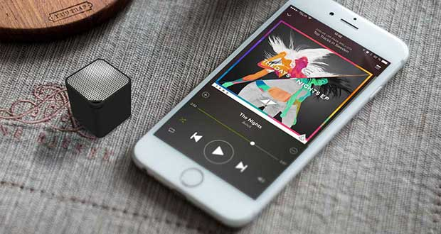 neoqube evi 08 03 16 - Neoqube: mini speaker/vivavoce Bluetooth e telecomando selfie