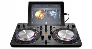 pioneer consoledj evi 23 03 16 300x160 - Pioneer DDJ-WeGo3: console per mixare con iPad e da Spotify