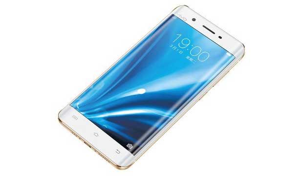 "vivo xplay5 1 03 03 16 - Vivo Xplay5: smartphone ""Edge"" con 6GB di RAM e DAC ESS"