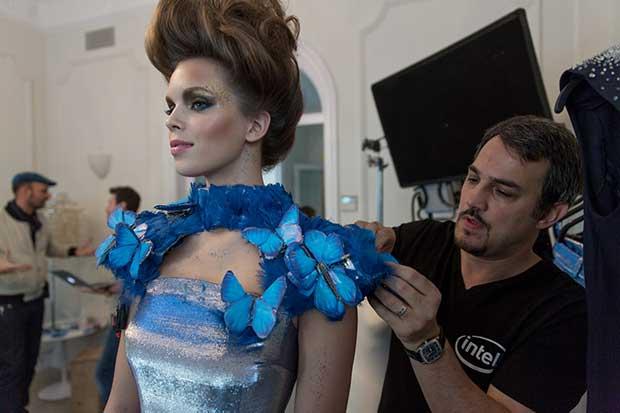 """intel butterfly dress 1 13 04 16 - Intel Butterfly Dress: abito di alta moda """"smart"""""""