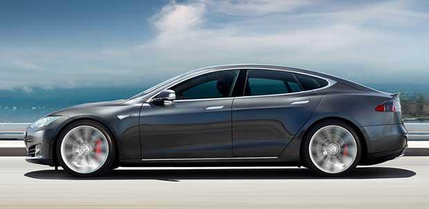 tesla 2 11 04 16 - Tesla: colonnine Supercharger in tutta Italia entro la fine del 2016