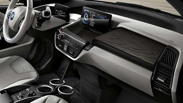 bmw i3 1 03 05 16 - BMW i3 94Ah: compatta elettrica con nuova batteria da 300 km