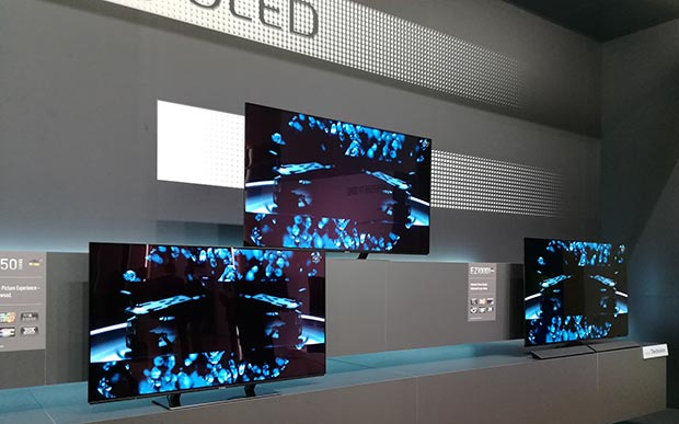 "15 02 2017 panasonic OLED EZ950 3 - Panasonic EZ950: TV OLED Ultra HD con HDR da 55"" e 65"""