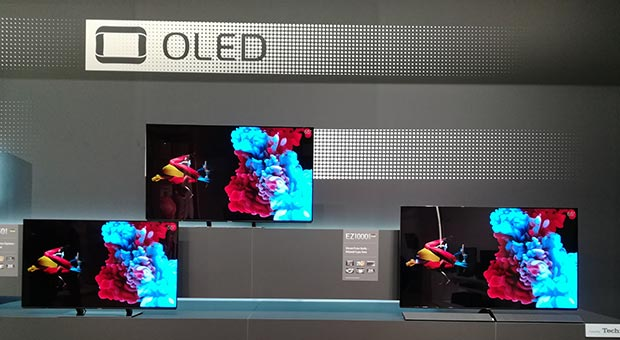 "15 02 2017 panasonic OLED EZ950 5 - Panasonic EZ950: TV OLED Ultra HD con HDR da 55"" e 65"""