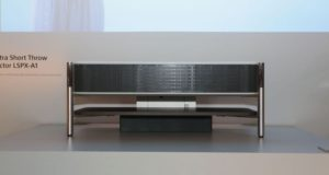 019 sony ultra short throw projector lspx a1 300x160 - Sony LSPX-A1: proiettore SXRD 4K Laser a tiro ultra corto