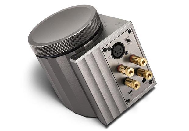ACRO L1000 2 - Astell & Kern ACRO L1000: amplificatore stereo e DAC USB