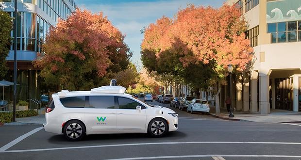 fca waymo evi - Fiat Chrysler fornirà auto per i taxi a guida autonoma di Waymo