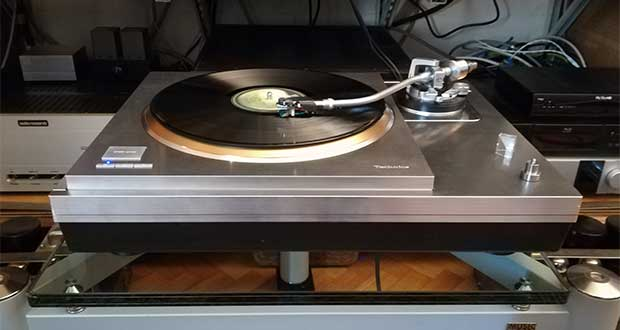 technics SP 1000R evi 08 01 18 - Technics SL-1000R: giradischi Hi-End con base SP-10R