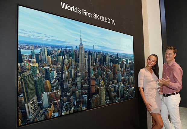 lg oled8k 1 29 08 18 1 - LG OLED TV 8K da 88 pollici a IFA