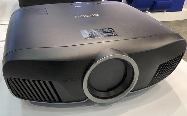 epson tw9400 - Epson annuncia i proiettori 3LCD EH-TW9400W, EH-TW9400 ed EH-TW7400