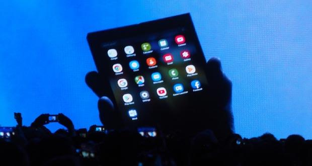 samsung infinity flex evi - Samsung Infinity Flex Display: ecco lo smartphone pieghevole