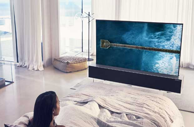 lg signature oled tv r - LG Signature OLED TV R: il televisore arrotolabile arriva quest'anno