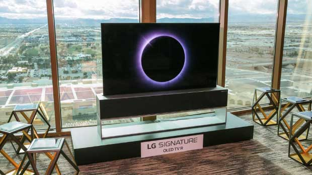 lg signature oled tv r 3 - LG Signature OLED TV R: il televisore arrotolabile arriva quest'anno