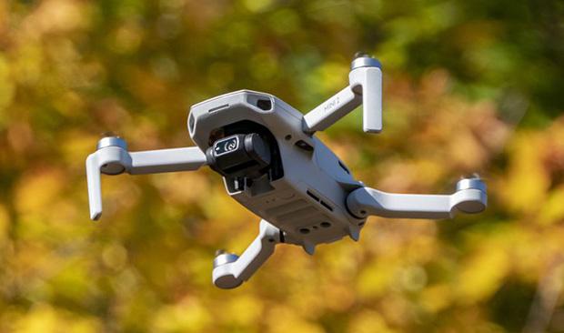 dji mini 2 1 05 11 20 - DJI Mavic Mini 2: il mini drone ora con video 4K e copertura fino a 10 km