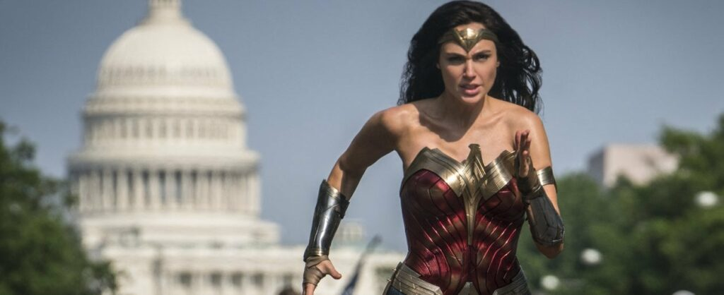 """093237943 65adfc50 5e23 4fcf af7d da2107fdaa7e 1024x418 - """"Wonder Woman 1984"""" in Italia in sala non appena riapriranno i cinema"""